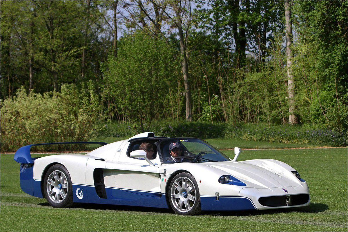 voitures de legende 698 maserati mc12 stradale 2004 victor association. Black Bedroom Furniture Sets. Home Design Ideas