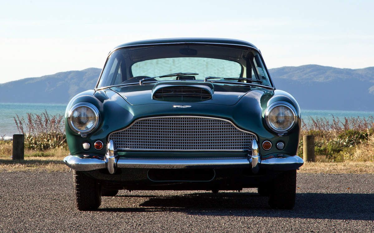 VOITURES DE LEGENDE (708) : ASTON MARTIN  DB4  SERIES II - 1960
