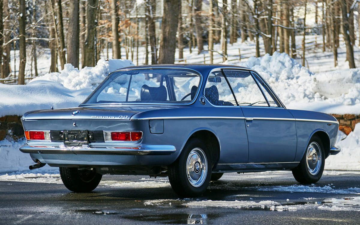 VOITURES DE LEGENDE (710) : BMW  2000 CS - 1966