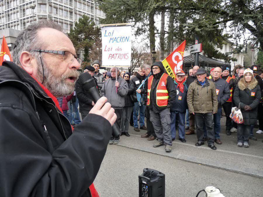 Rassemblement à Annecy contre la loi Macron