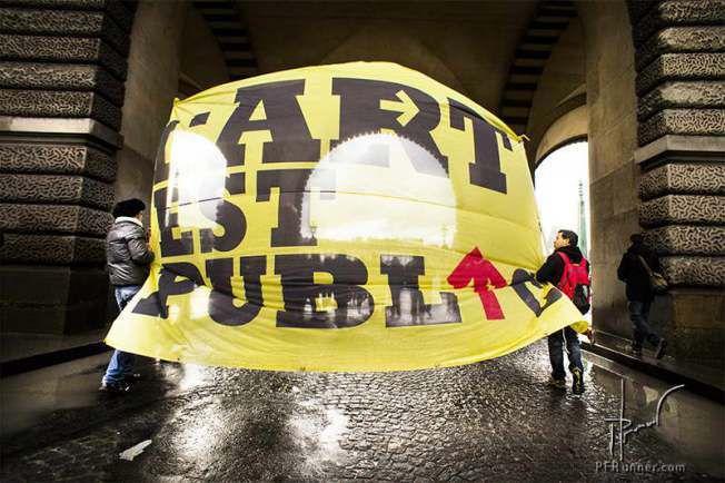 """photo PFRunner © ~ graphisme """"L'Art est Public"""" Denis Brumaud ©"""