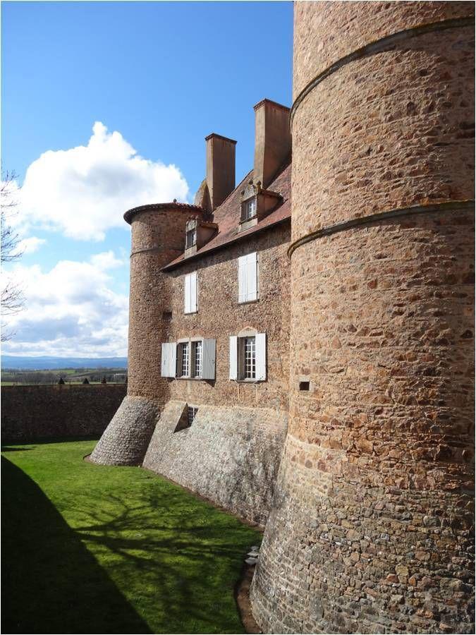 Chasse aux oeufs au château de Saint-Marcel-de-Félines