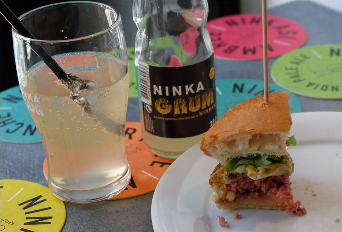 "Le Burger ""Cheese on fire"" et le soda maison Ninka'Grum !"
