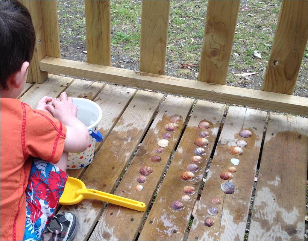 Aligner les coquillages, les classer par tailles, il n'y a pas besoin de beaucoup pour apprendre et s'amuser !