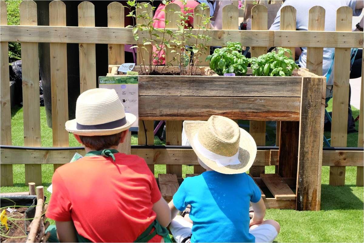 Shopping pour les parents, jardinage pour les enfants ! �