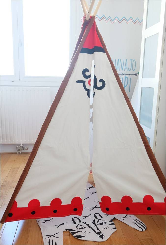 tipi dans la chambre d 39 enfant oui lucky sophie blog maman. Black Bedroom Furniture Sets. Home Design Ideas