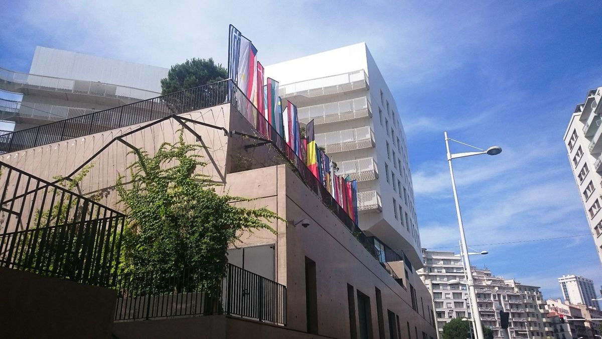 L'université de Toulon aux couleurs de l'Europe pour le 1er Village Var Europe (FSE) - photo avie