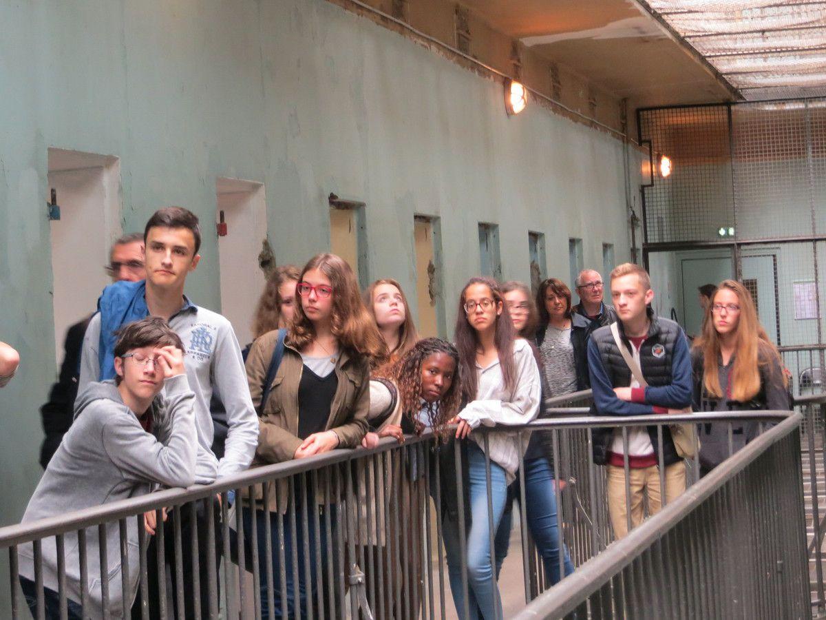Valence, les lauréats drômois du concours national de la Résistance et de la Déportation en visite à Lyon au Centre d'Histoire de la Résistance et de la Déportation, et à la prison Montluc. juin 2016