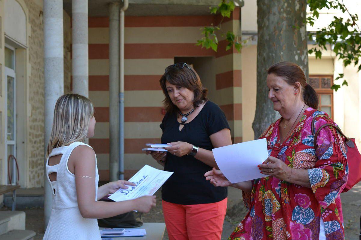 - école élémentaire 'Le Prieuré' de St Donat - les élèves de CM1 CM2 du professeur Marie Josée Ladreyt -