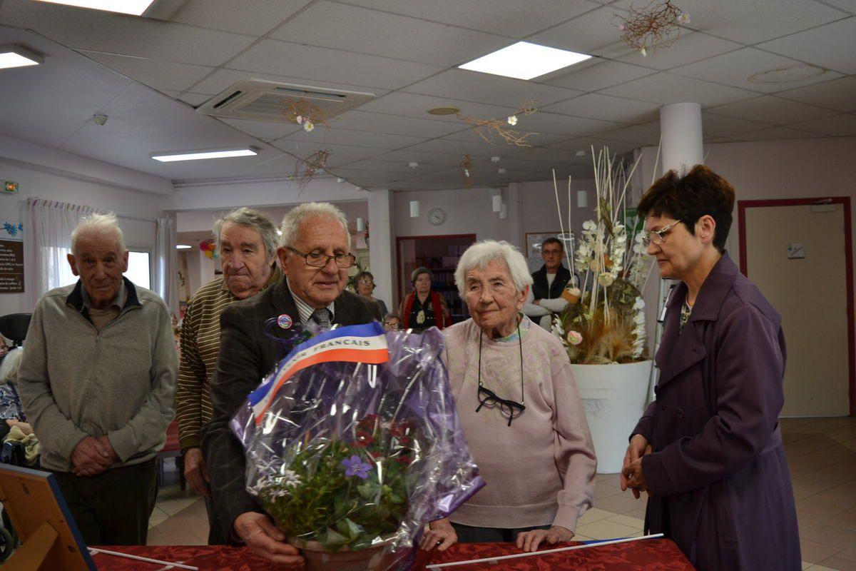 Bourg-lès-Valence, Cérémonie pour le 72éme Anniversaire de la Victoire de 1945, organisée par le Souvenir Français, à la maison de retraite ''Fannie'' .mai 2017