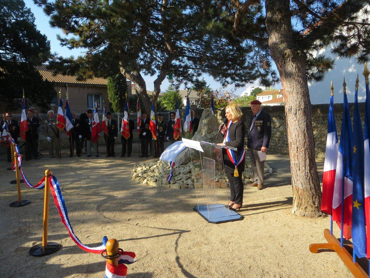 Bourg-lès-Valence, square Longueville inauguration d'un monument à la mémoire des Harkis, des Victimes civiles, militaires et des disparus en AFN. octobre 2017