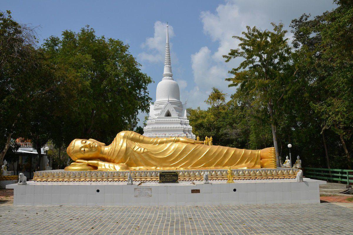 Thaïlande 2015 : Samui , Laem Sor pagoda et les bouddahs de Khao Chedi ...