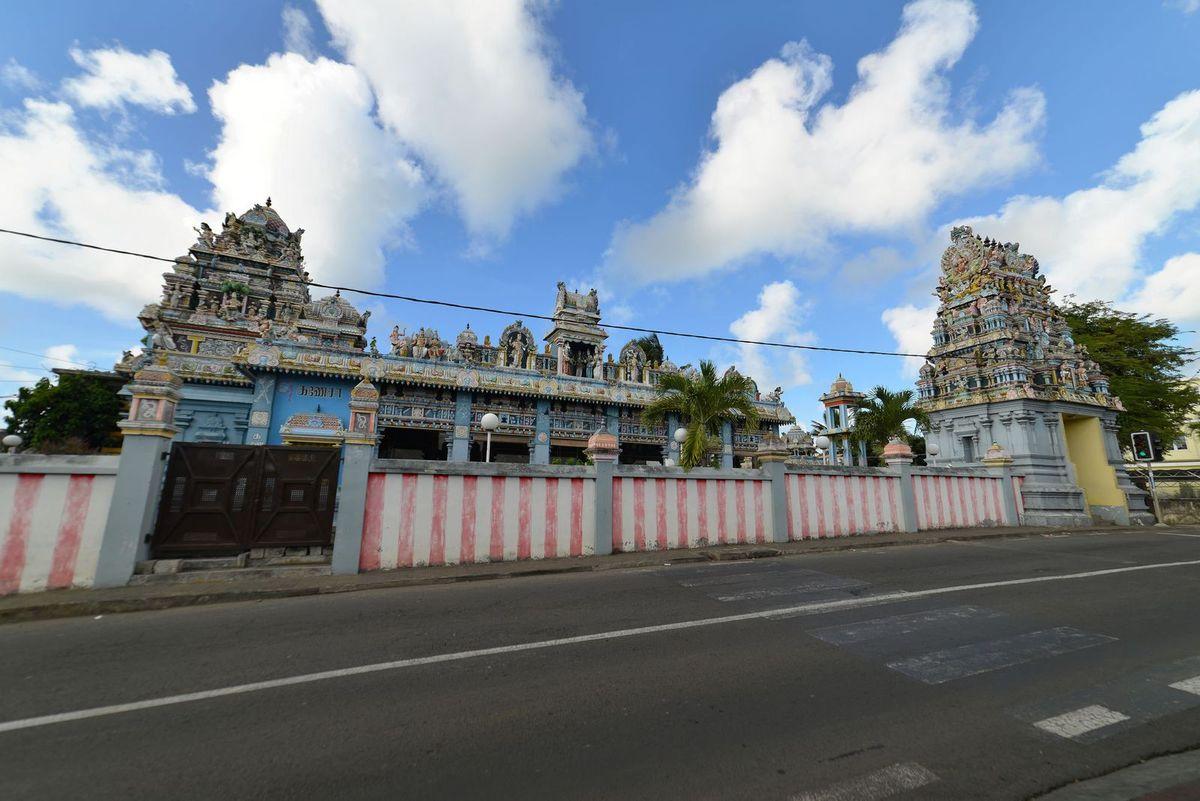 Maurice 2017 : Tamil surya oudaya sangam temple ...