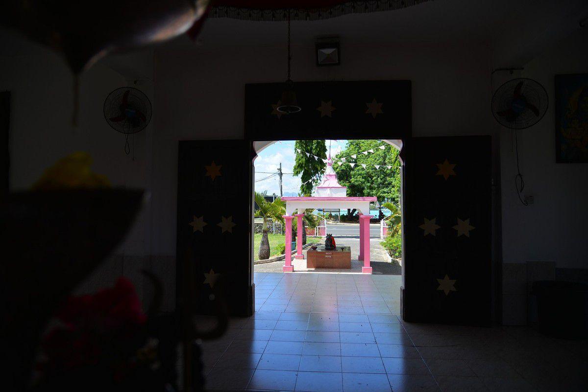 Maurice 2017 : Shiv  Kalianath Mandir temple ...