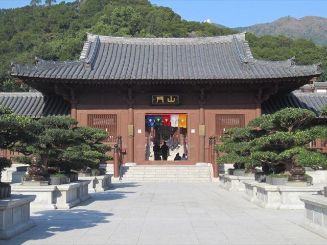 l'entree du monastere