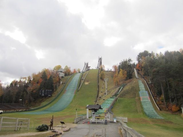 les tremplins du Lake Placid Olympic Jumping Complex
