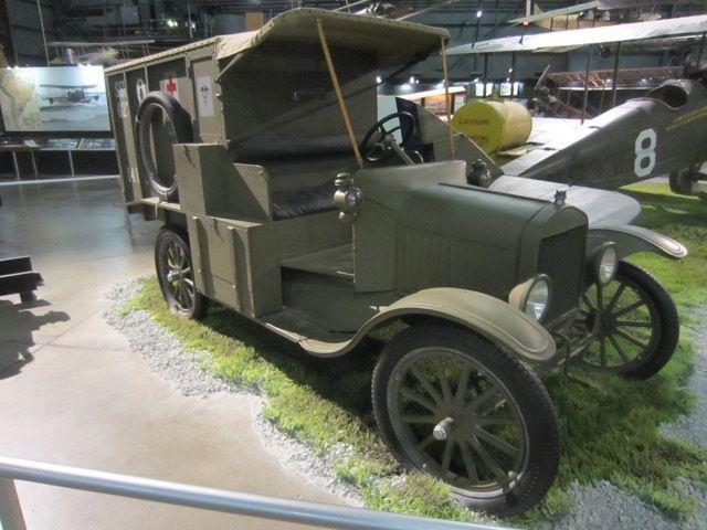 ambulance Ford Model T de la Premiere Guerre mondiale