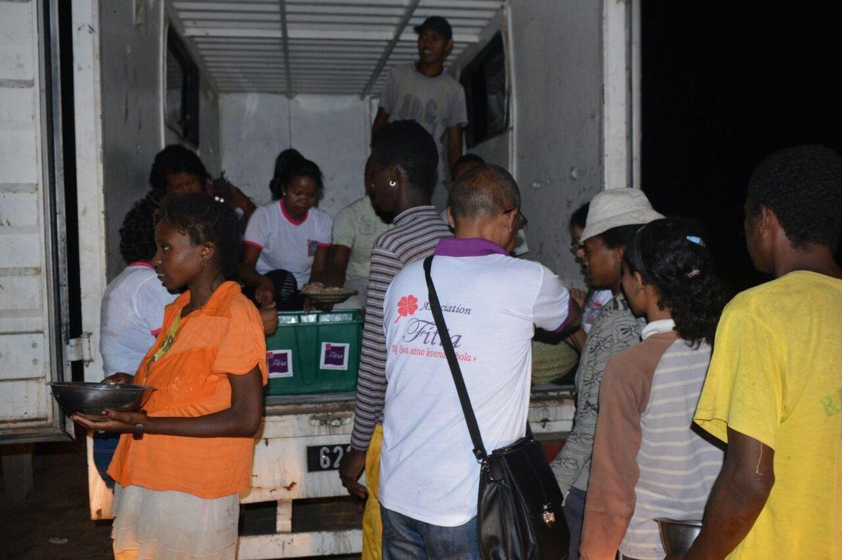 Cyclone Enawo. Association Fitia: soutien aux sinistrés6 à Androndrakely, 14 mars 2017