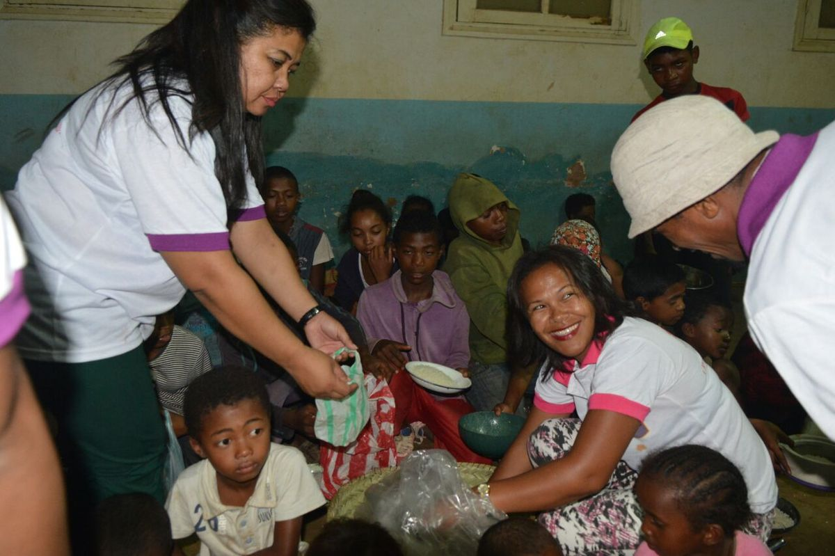 Cyclone Enawo. Association Fitia: soutien aux sinistrés5 à Mandroseza, 14 mars 2017