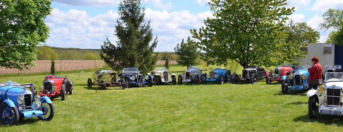 Cyclecars et Grand Sport sur herbe