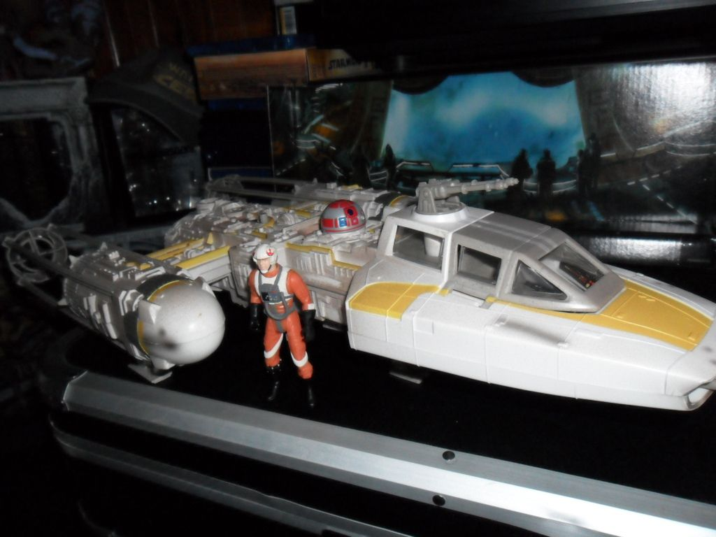 Collection n°182: janosolo kenner hasbro - Page 6 Ob_3e96e9_y-wing-fighter-with-rebel-alliance-pil