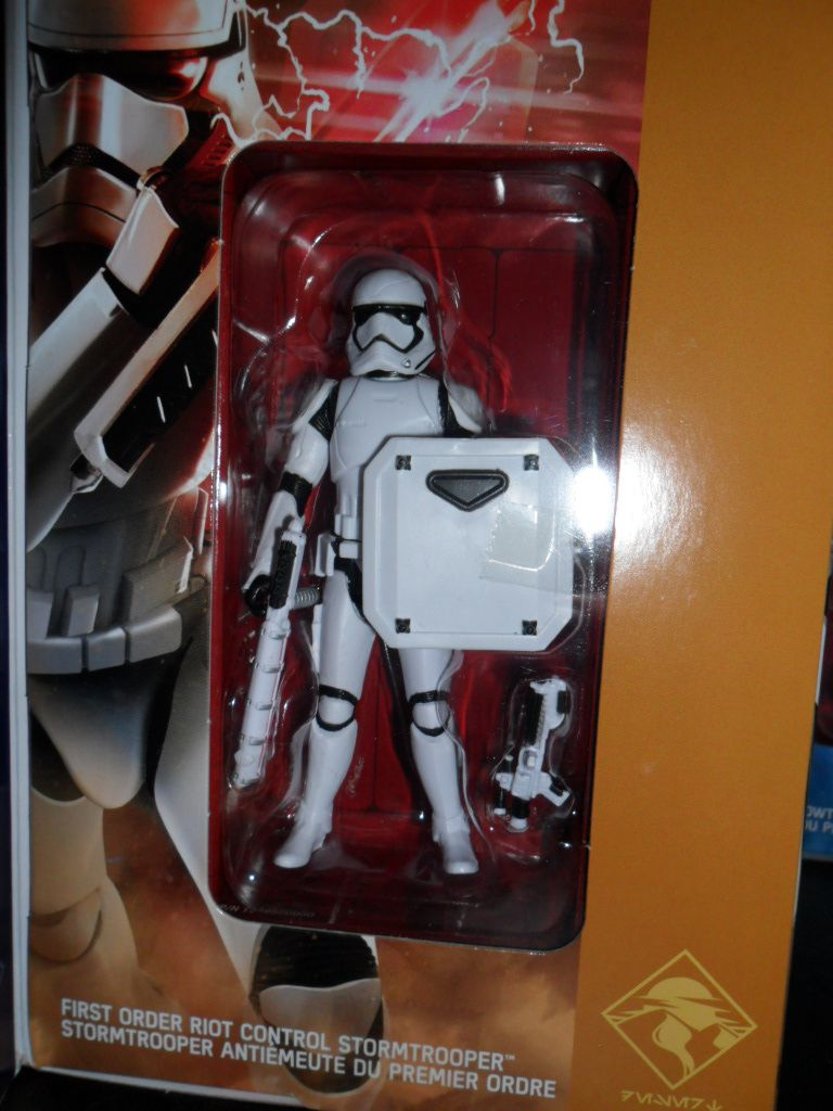Collection n°182: janosolo kenner hasbro - Page 7 Ob_b1ccf9_stormtrooper-antiemeute-1er-ordre