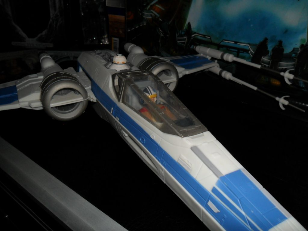 Collection n°182: janosolo kenner hasbro - Page 11 Ob_18d089_x-wing-de-la-resistance-2