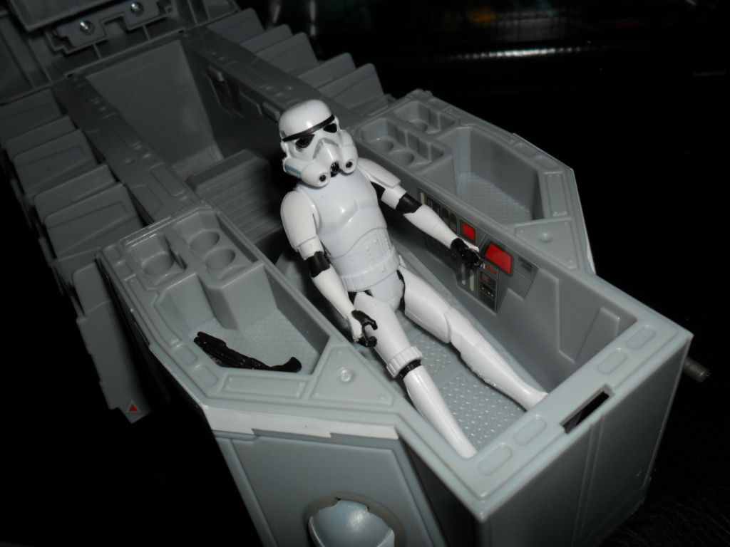 Collection n°182: janosolo kenner hasbro - Page 11 Ob_27c005_transport-de-troupe-imperial-5