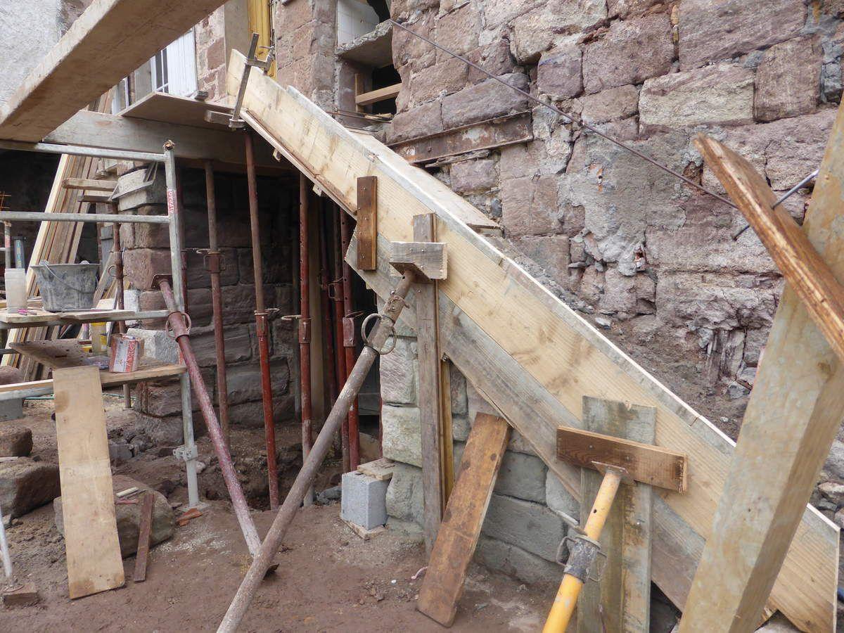 Semaine 5 jour 21 coffrage de l 39 escalier ext rieur notre projet de r n - Coffrage escalier exterieur ...