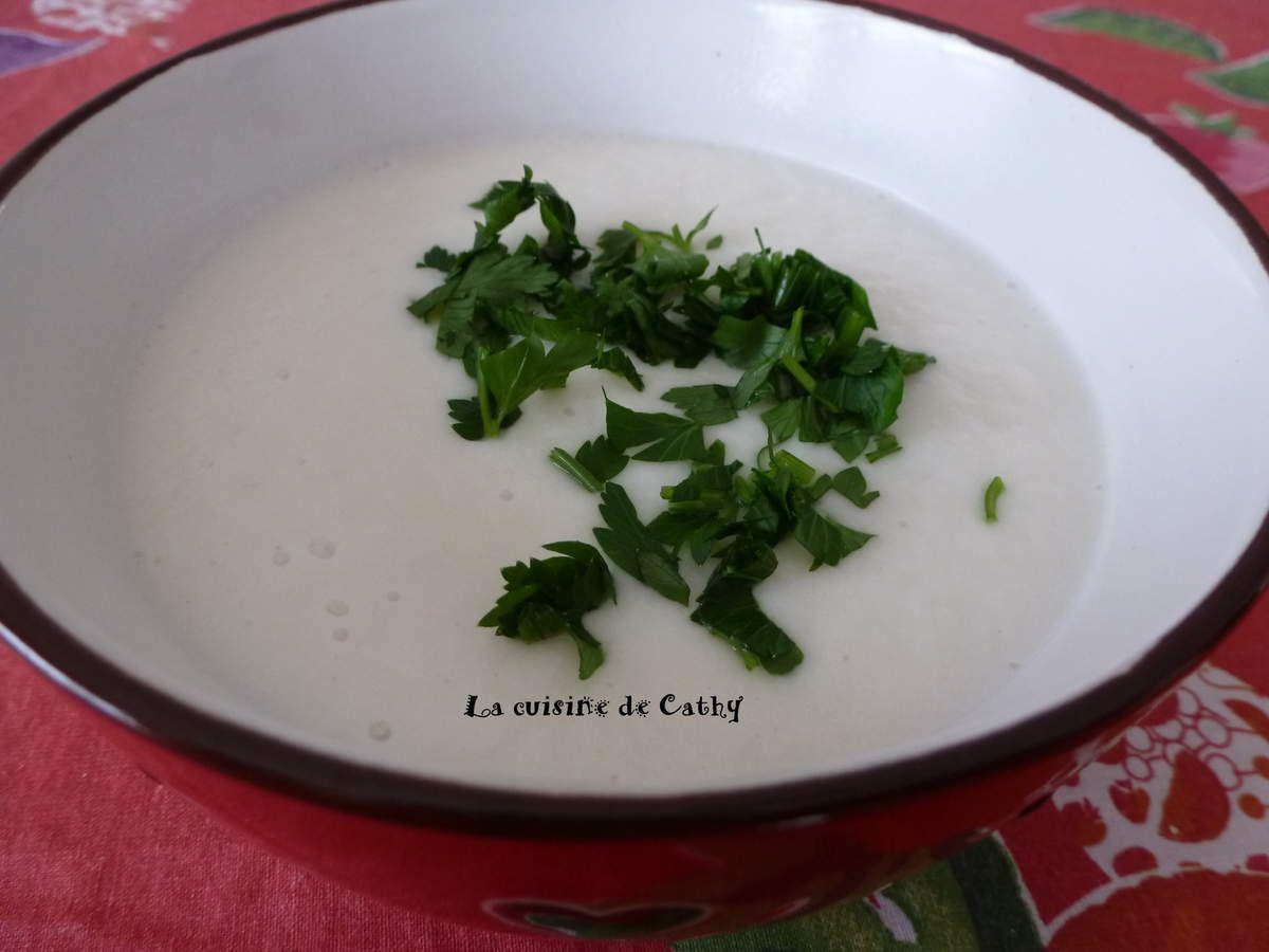 Velouté de chou-fleur au lait de coco et curry