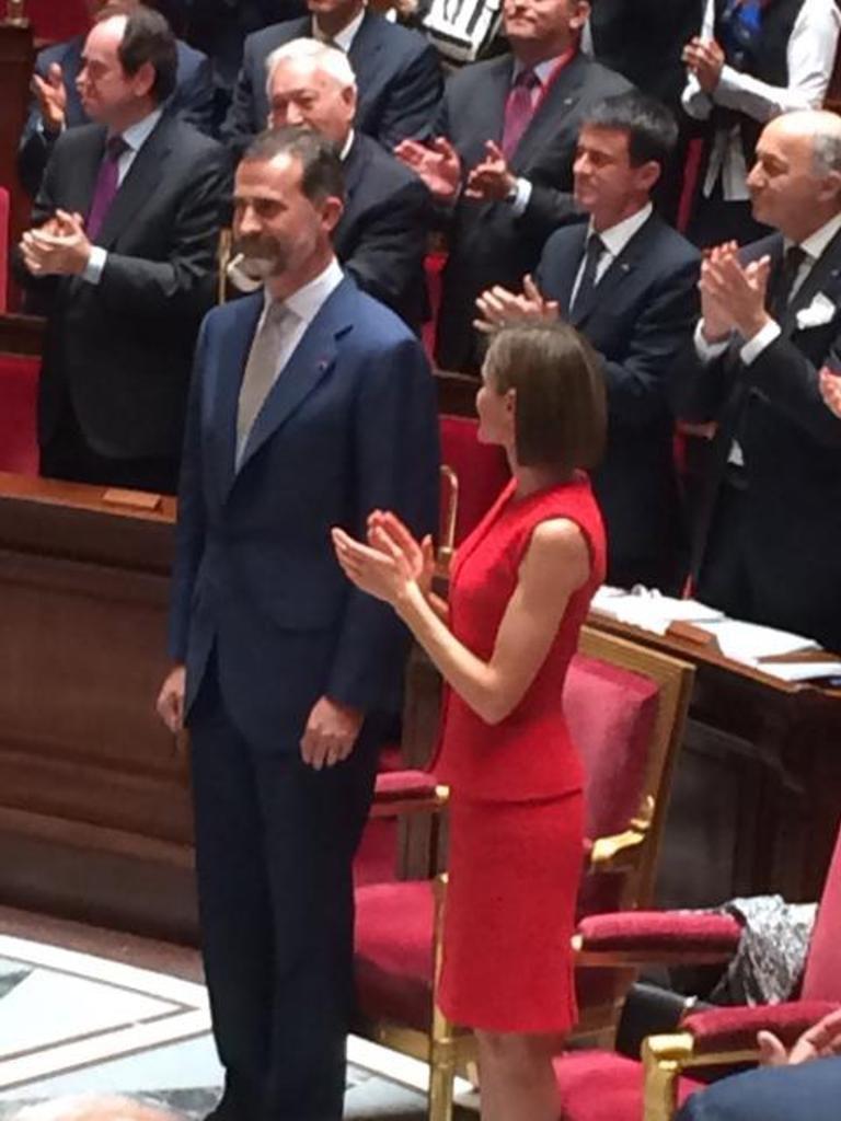 Le roi et la reine à l'Assemblée !