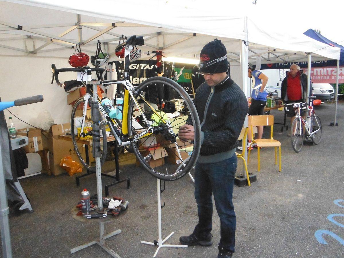 Pascal Macé, vélociste à Loudéac n'a pas chômé.