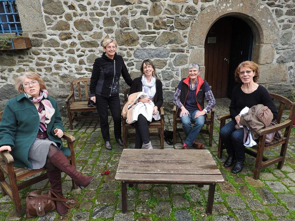 Yvonne, Marie-France, Edith, Annick, Jeanine.