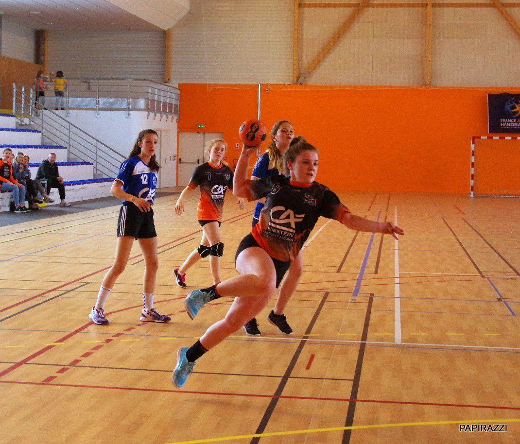 dur dur pour les filles , quand l'adversaire débarque avec des joueuses de prérégion: fair play?????