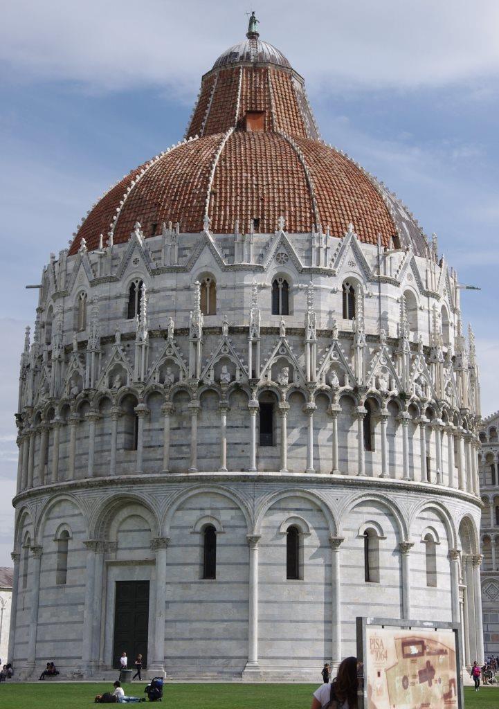 Pisa - Piazza del Duomo - Baptisterium