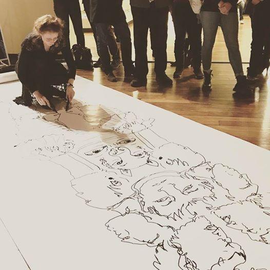 Dessins ambidextres sur grand format 170 cm de large x 10 mètres de long!