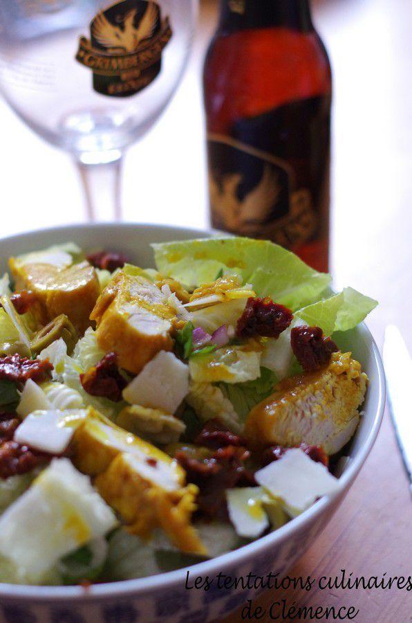 Salade de poulet mariné, tomates confites, parmesan et olives