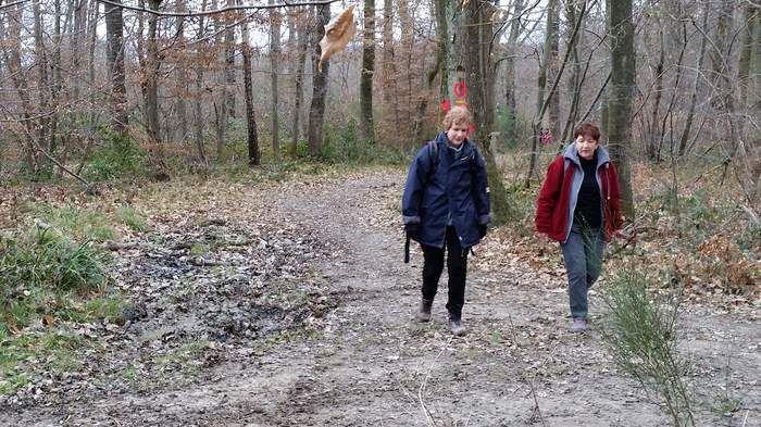 Que de boue ! Mais Noëlle et Martine assurent le nettoyage ...