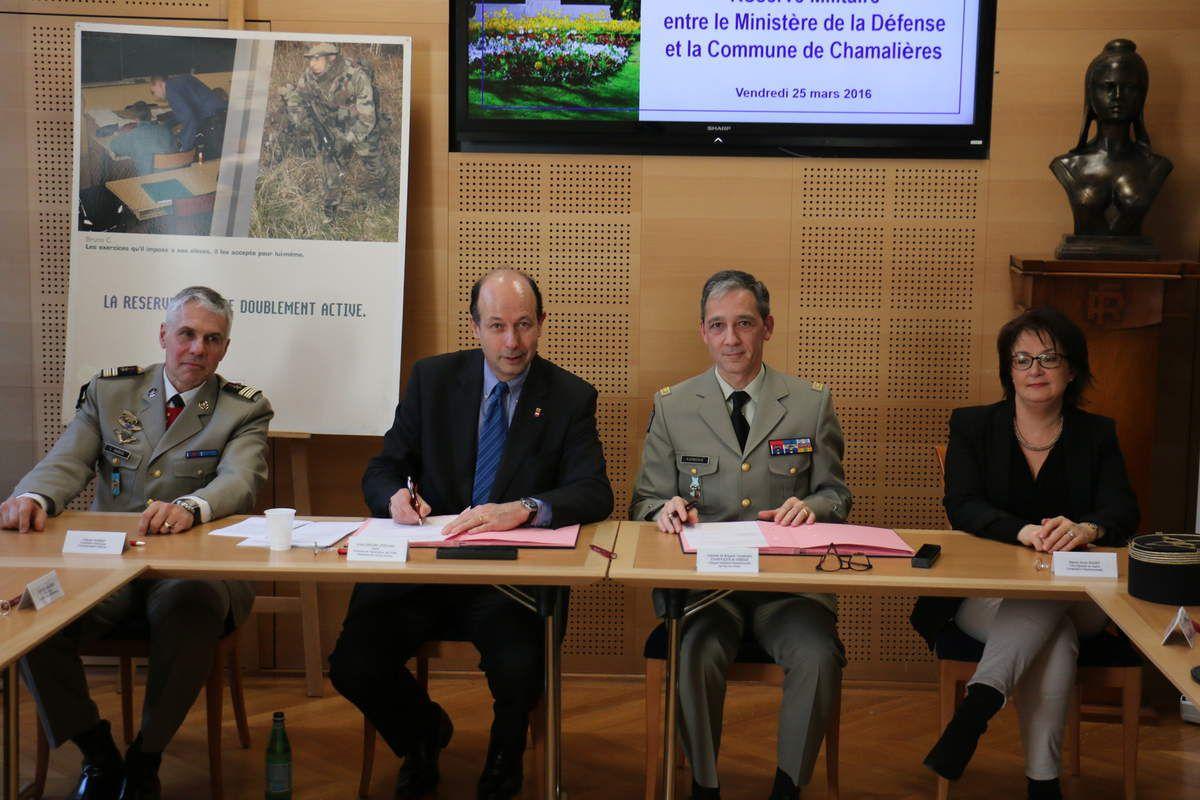 Convention de soutien à la Politique de la Reserve Militaire entre le Ministere de la Defense et la Commune de Chamalieres