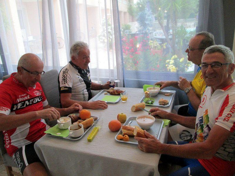 Petit déjeuné à Corté