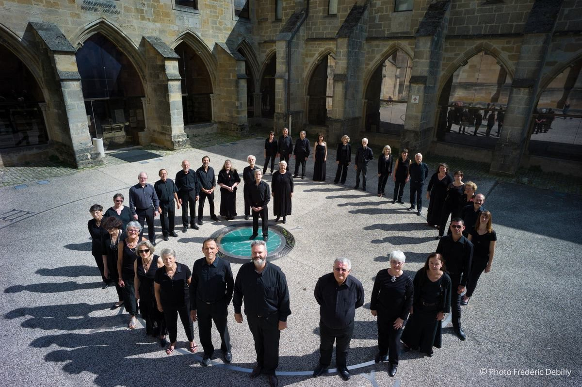 L'ensemble vocal, cloître de la cathédrale de Langres, septembre 2014