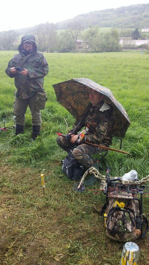 """On a retrouvé notre """"roumain"""" d'épinal.....équipé pour la pluie cette fois."""