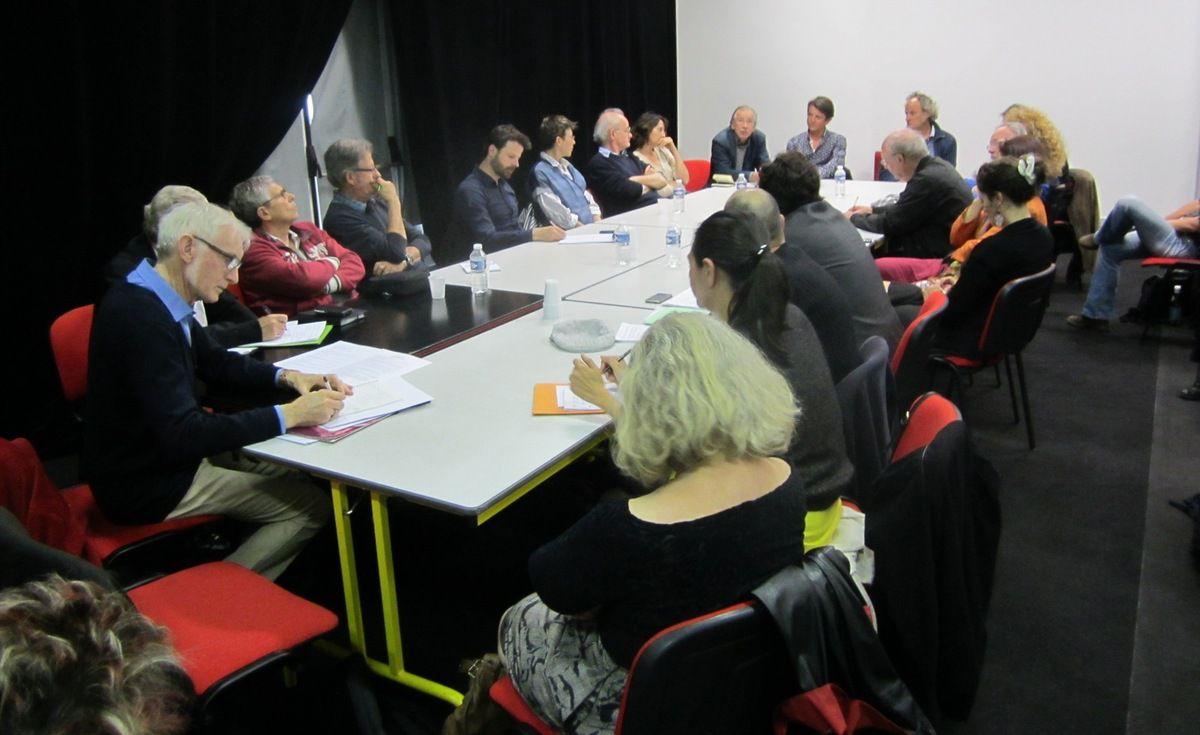 La rochelle quelle place pour les arts plastiques le blog de jackie groisard - La table basque la rochelle ...
