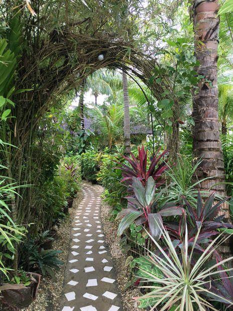 Le jardin de notre hôtel !!!