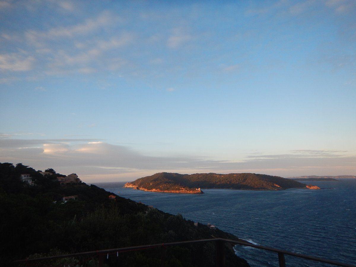 Lever du jour sur Port Cros