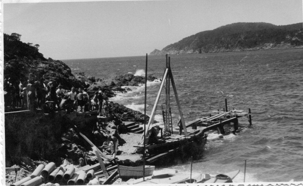 La construction de l'estacade de l'Ayguade du Levant - 1945