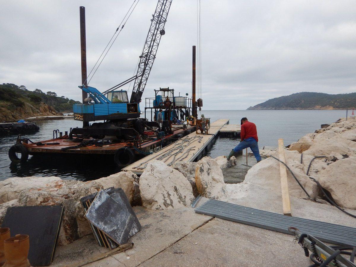 Aménagement de l'accès aux pontons