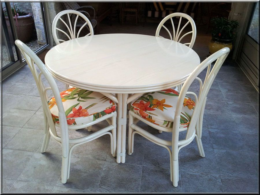 Table Et Chaise En Rotin Pour Veranda Table De Lit A