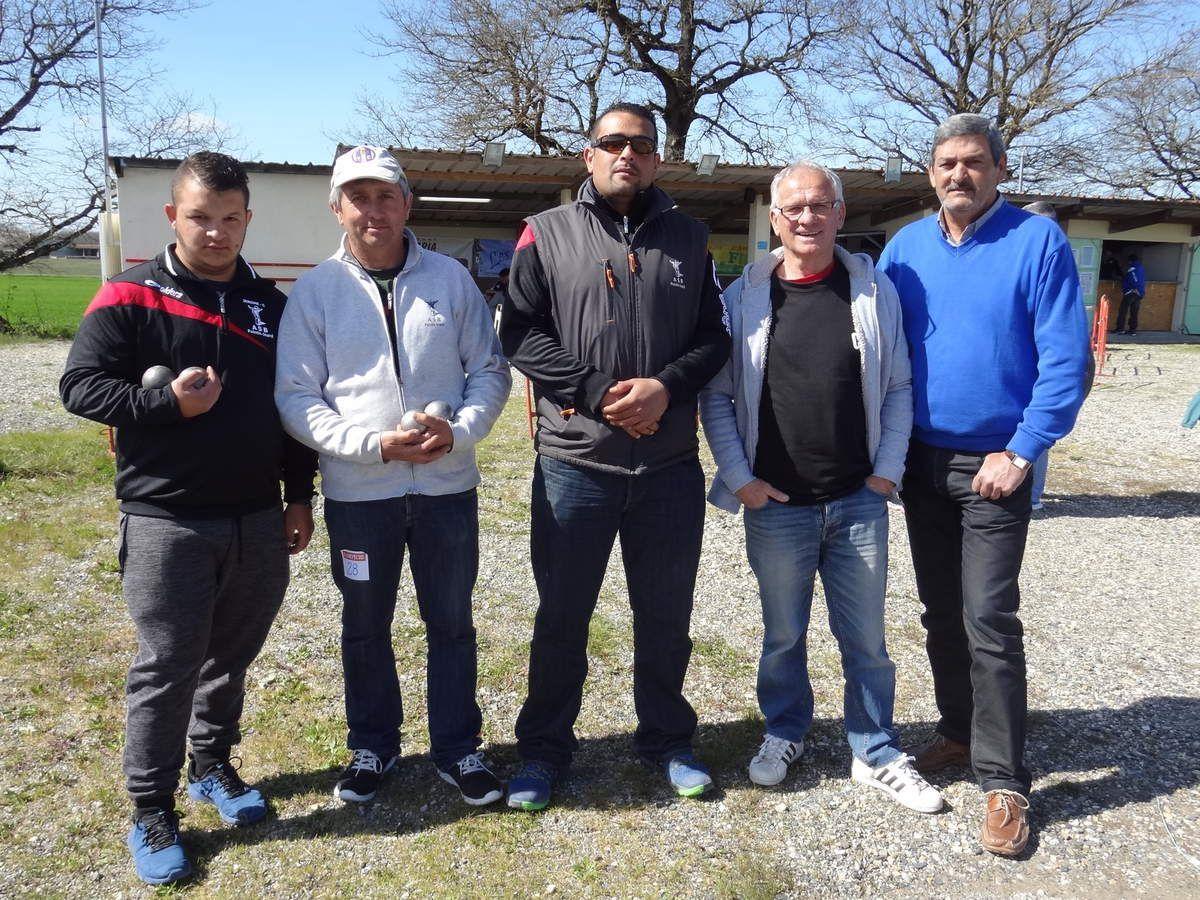 Pointis-Inard - une équipe à Montauban