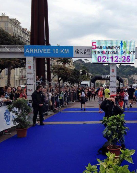 Arrivée du 10 km et Semi marathon de Nice &#x3B; Source : Facebook Semi-Marathon International de Nice
